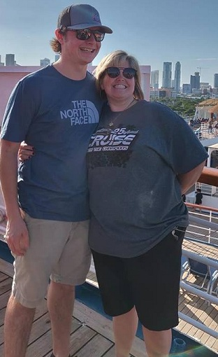 http://cruisewiththechampions.net/Pictures/675.jpg