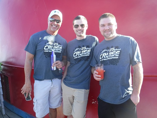 http://cruisewiththechampions.net/Pictures/687.JPG
