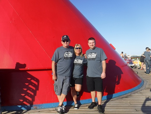 http://cruisewiththechampions.net/Pictures/692.JPG