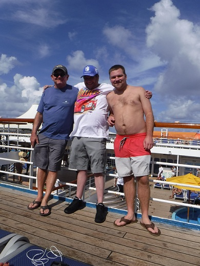 http://cruisewiththechampions.net/Pictures/707.JPG